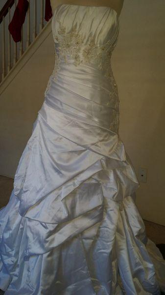 Casablanca Bridal style 2047 size 12 White satin strapless