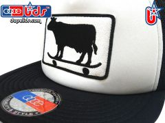 smart-patches Skater Cow Trucker Hat (Black/White)