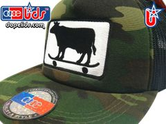 smart-patches Skater Cow Trucker Hat (Camo)