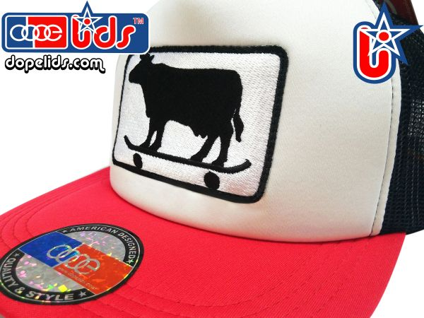 smart-patches Skater Cow Trucker Hat (Red/Black/White)