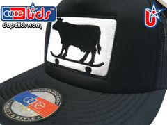 smart-patches Skater Cow Trucker Hat (Solid Black)