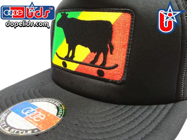 smart-patches Rasta Skater Cow Trucker Hat (Solid Black)