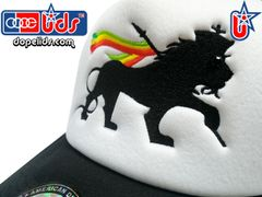 "smartpatches ""Lion of Judah"" Rasta Rhinestone Bling Trucker Hat (Rasta Stripes)"