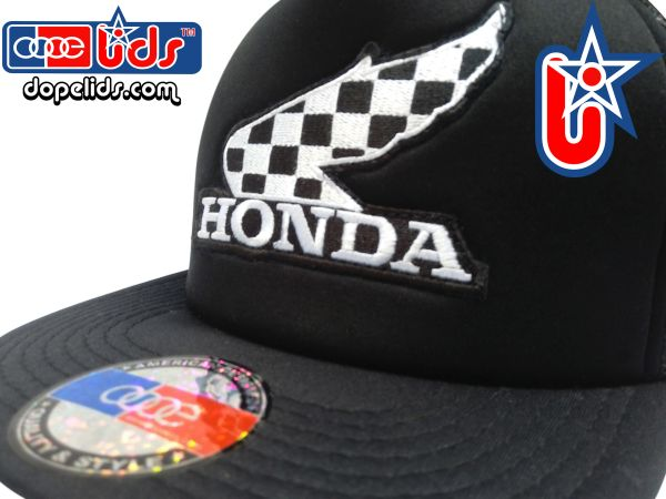 "smartpatches Truckers Vintage Style Honda ""Winner"" Motorcycle Trucker Hat (Solid Black Hat)"