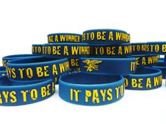 """It Pays To Be A Winner"" Rubber Motivational Morale Wristband Braclet"