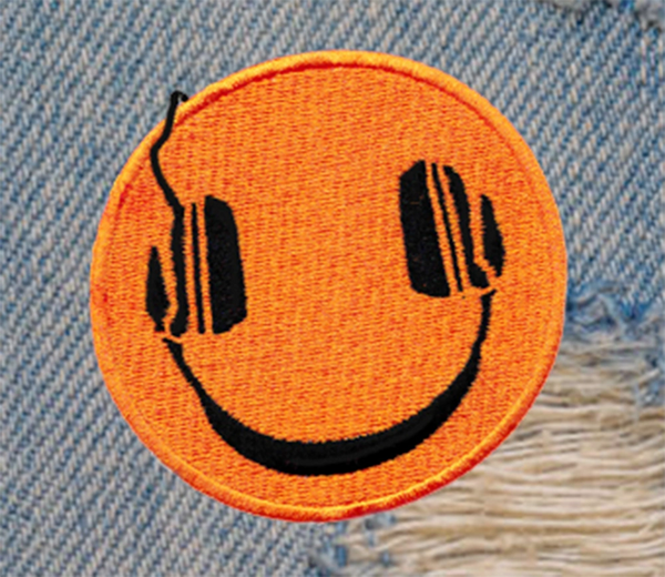 Vintage Style 70's 80's Music DJ Headphones Smiley Patch Morale 8cm / 3.2 inches