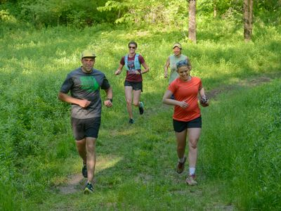 Trail runners group of 4