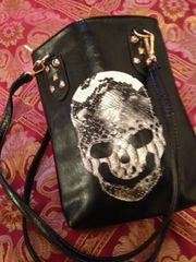 Small Skull Shoulder Bag