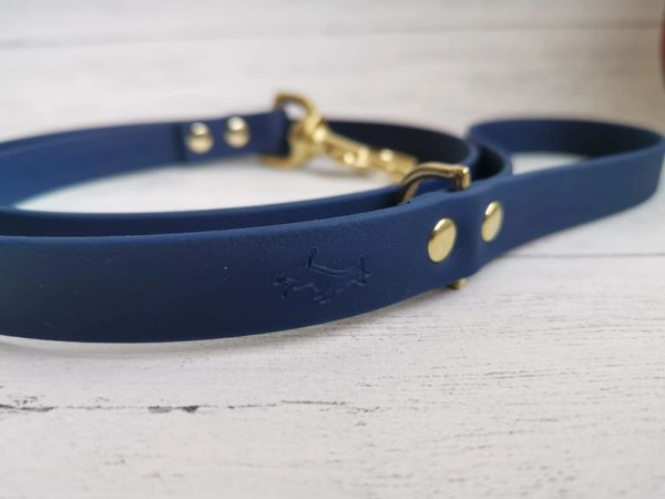 Navy all weather dog lead