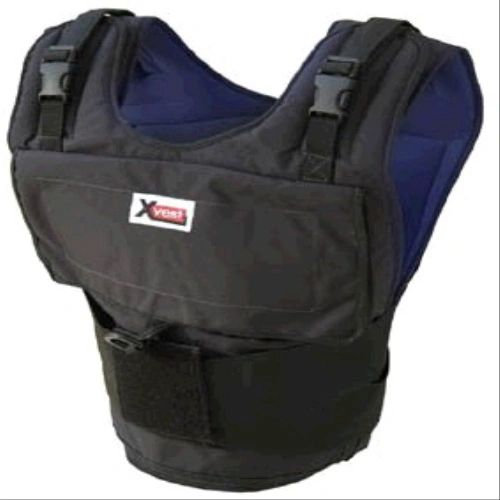 X8460-The X8460 Xvest comes with 60 one pound weights. The X8460 can hold up to 84 one pound weights.
