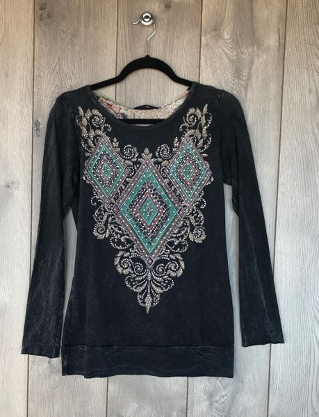 11875L - Long Sleeve w/ Embellishment and Open Back Design