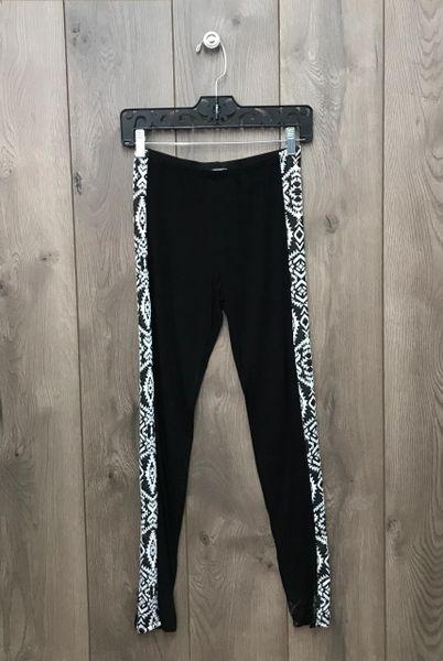 11716P - Legging w/ B&W Pattern