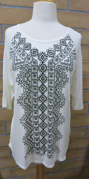 12300w- Embellished Graphic Mid-Sleeve Tunic