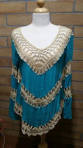 A9654 - Creme & Turquoise Tunic