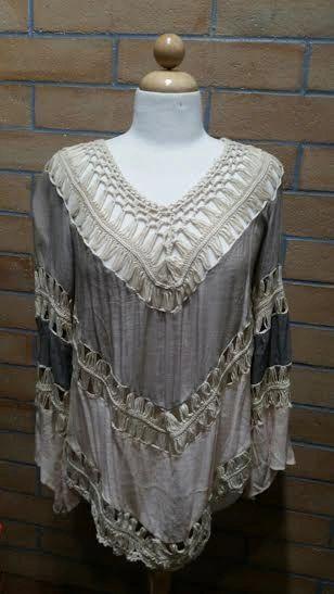 A1316 - Grey & Creme Crochet Tunic