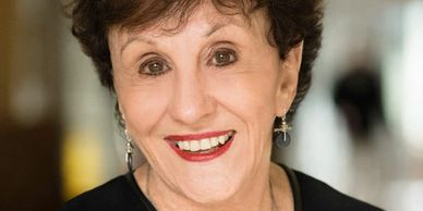 Love 'Em or Lose 'Em, Dr. Beverly Kaye, Rhett Power