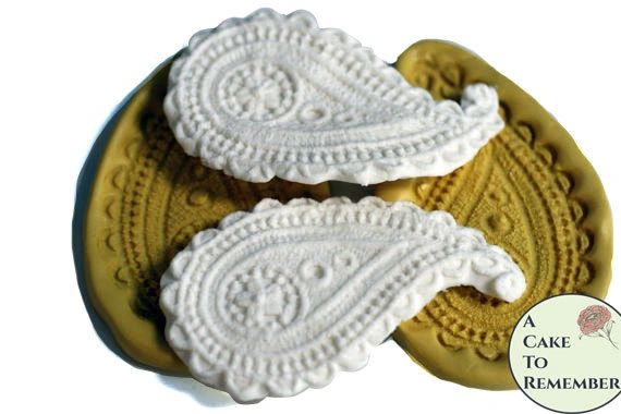 Set of two paisley silicone molds for cake decorating M079