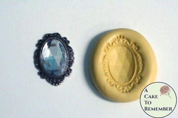 Large framed gem mold for cake decorating M5011