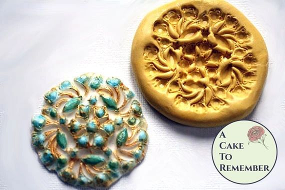 Silicone brooch mold for fondant medallions M012