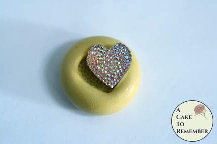 Tiny heart miniature food grade silicone rubber mold M5207