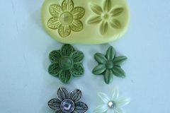 Double Daisy mold for cake decorating M042