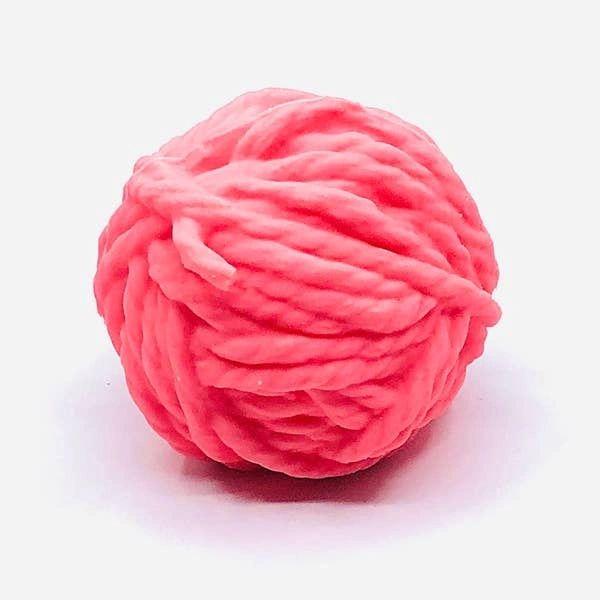 Squeaky Yarn Ball by Lanco