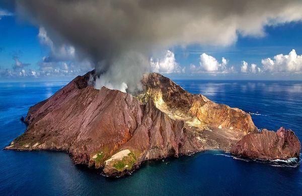 Volcanic Eruption (compare to Capri Blue Volcano)