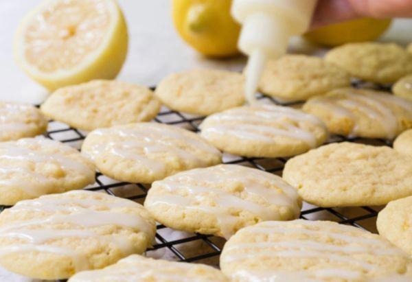 Lemon Vanilla Wafer Cookies **