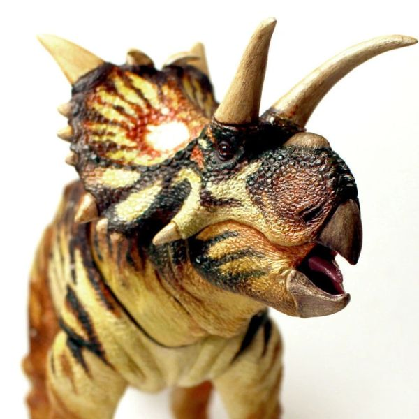 *PRE-SALE* Beasts of the Mesozoic: Ceratopsian Series Xenoceratops Foremostensis 1/18 Scale Figure