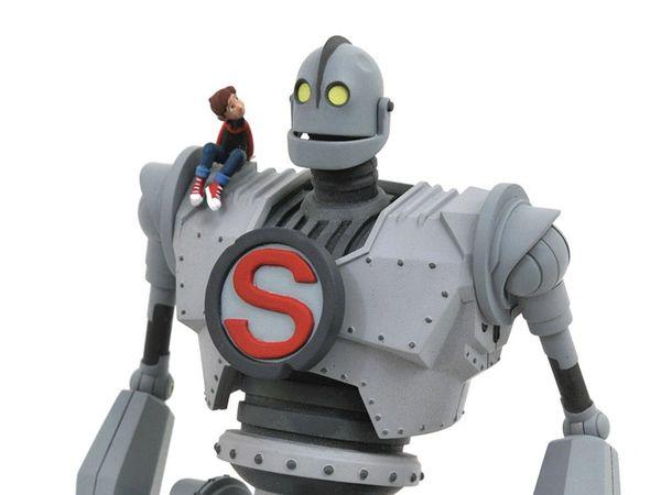 Diamond Select Iron Giant Action Figure