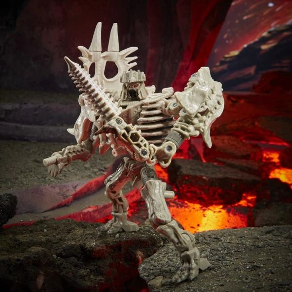 *PRE-SALE* Transformers War for Cybertron: Kingdom Deluxe Ractonite Action Figure