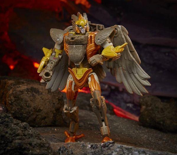 *PRE-SALE* Transformers War for Cybertron: Kingdom Deluxe Airazor Action Figure