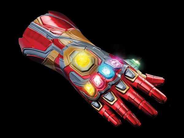 *PRE-SALE* Avengers: Endgame Marvel Legends The Infinity Saga Nano Gauntlet