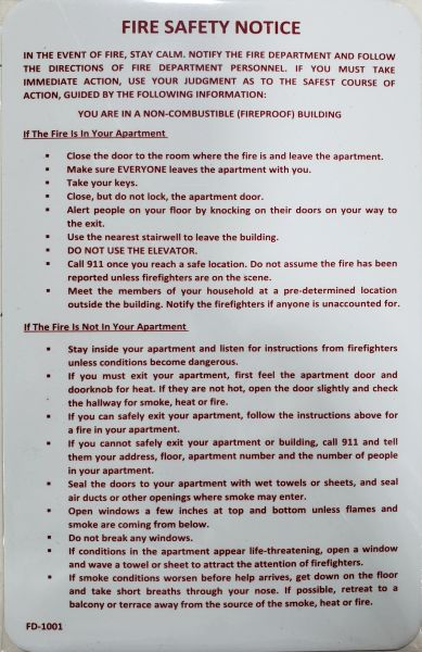 DOOR FIRE SAFETY NOTICE SIGN - FIREPROOF BUILDING ( Red  letters,Aluminium,Size 8 5x5 5)-El blanco Line
