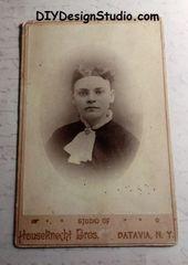 Cabinet Card 30101 Female