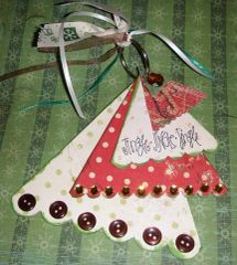 Christmas Die Cut Chipboard Tree (30 pieces)