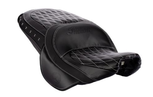 GENUINE LEATHER HEATED TOURING SEAT BLACK - 2882563-02