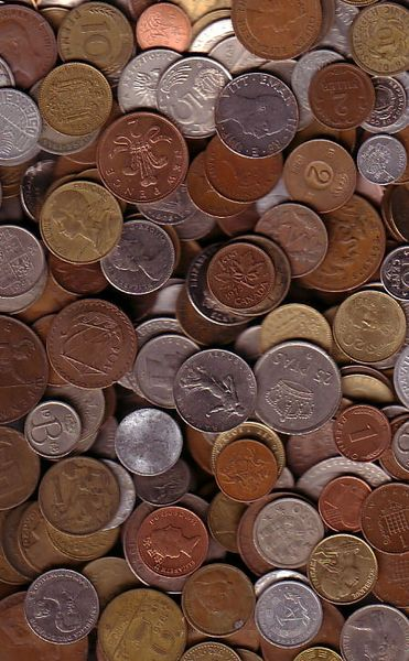 10 POUNDS OF MIXED FOREIGN COINS