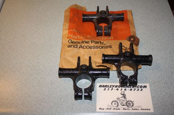 NOS 45876-47 Upper Snubber Bracket