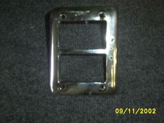 49-50 park light bezel [L]