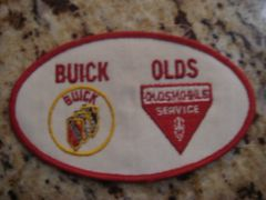 BUICK & OLDS SERVICE BADGE