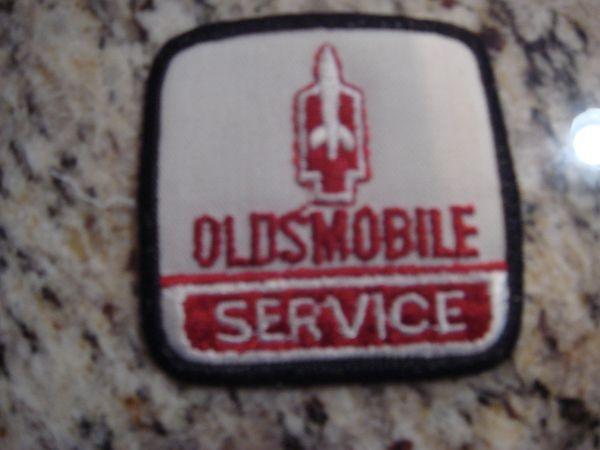 OLDS SERVICE BADGE