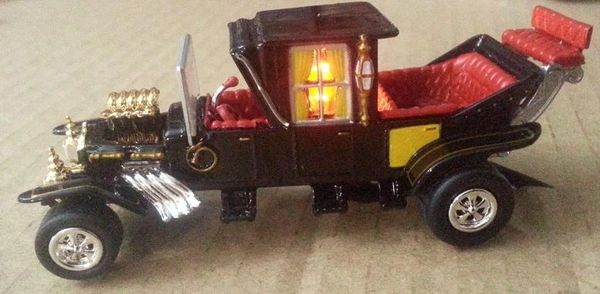 "Munsters Interactive ""Koach"" mod with Amber LED"