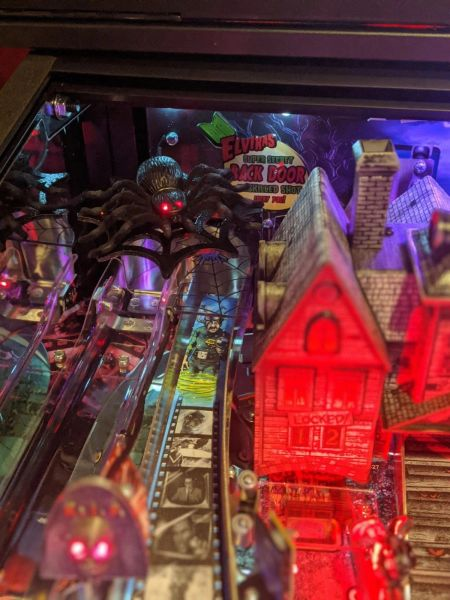 Elvira's House of Horrors Illuminated Spider Mod
