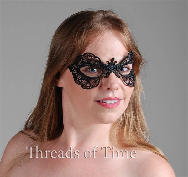 Lace Mask - Queen of Hearts