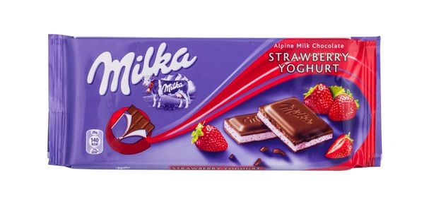 GER_Milka Milk Chocolate With Strawberry Yogurt 100g 德国Milka草莓味酸奶巧克力 100克