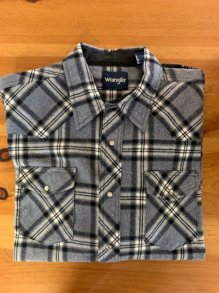Wrangler blue and grey plaid pearl snap jacket