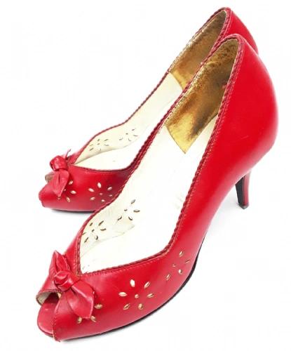 true vintage womens peeptoe shoes, size 6