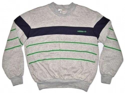 truly oldskool vintage adidas sweatshirt size S-M