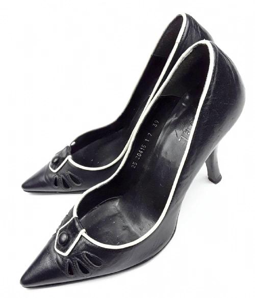 true vintage high heels size 6 black leather